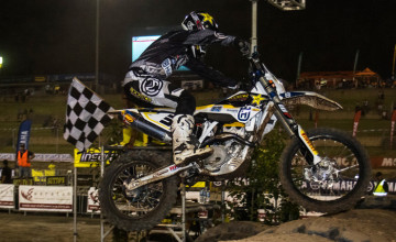 American Mike Brown proved to be to good at the second round of the 2015 InsureMyRide Australian Enduro-X Nationals winning all three finals aboard his Husqvarna Australia Off-Road race machine at Sydney Drag way on Saturday night.